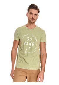 TOP SECRET - T-shirt męski z efektem sprania. Kolor: zielony. Materiał: bawełna, tkanina. Długość rękawa: krótki rękaw. Długość: krótkie. Wzór: nadruk. Sezon: lato