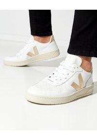 Veja - VEJA - Białe sneakersy V-10. Kolor: biały. Materiał: tkanina, materiał, guma. Szerokość cholewki: normalna. Wzór: aplikacja