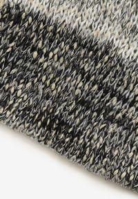 Renee - Czarno-Biały Szalik Avena. Kolor: czarny. Materiał: dzianina. Styl: klasyczny
