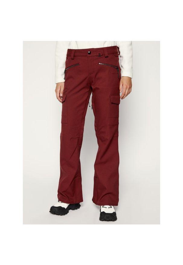 Czerwone spodnie narciarskie Volcom