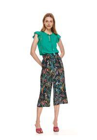 TOP SECRET - Bluzka z wiązaniem pod szyją. Kolor: zielony. Materiał: tkanina. Długość: krótkie. Wzór: ażurowy