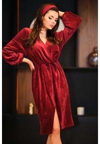 Awama - Bordowa Welurowa Sukienka Zakładana Kopertowo. Kolor: czerwony. Materiał: welur. Typ sukienki: kopertowe