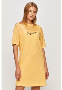 Żółta sukienka Nike Sportswear mini, na co dzień, prosta, z krótkim rękawem