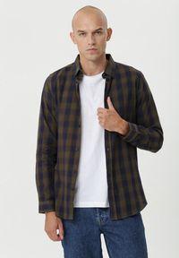 Born2be - Zielona Koszula Deagon. Kolor: zielony. Materiał: jeans. Długość rękawa: długi rękaw. Długość: długie
