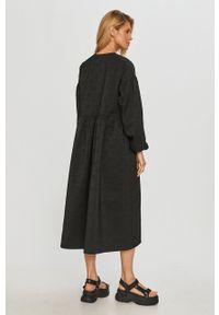 Samsoe & Samsoe - Samsoe Samsoe - Sukienka. Kolor: czarny. Materiał: poliester. Typ sukienki: rozkloszowane #6