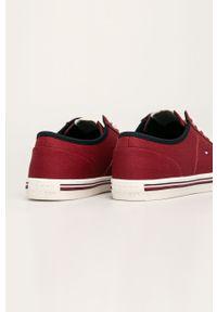 Czerwone sneakersy TOMMY HILFIGER na sznurówki, z cholewką