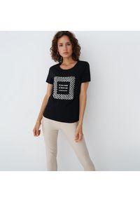 Mohito - Bawełniana koszulka z aplikacją - Czarny. Kolor: czarny. Materiał: bawełna. Wzór: aplikacja