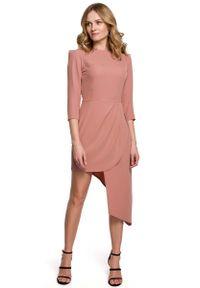 Różowa sukienka wizytowa MOE asymetryczna, z asymetrycznym kołnierzem