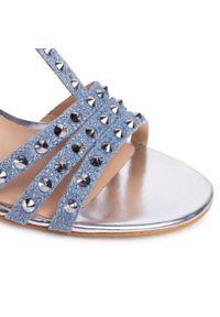 Niebieskie sandały Guess z aplikacjami, eleganckie