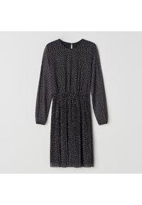Czarna sukienka Mohito w kropki