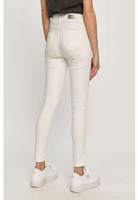 Białe jeansy Haily's z podwyższonym stanem