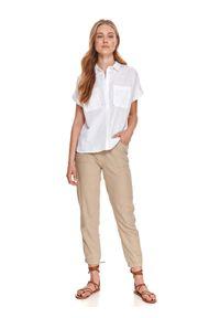 TOP SECRET - Koszula z krótkim rękawkiem. Kolor: biały. Długość rękawa: krótki rękaw. Długość: krótkie