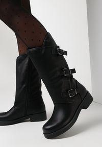 Born2be - Czarne Kozaki Myrelaia. Nosek buta: okrągły. Zapięcie: klamry. Kolor: czarny. Szerokość cholewki: normalna. Wzór: paski. Wysokość cholewki: przed kolano. Materiał: skóra. Obcas: na obcasie. Wysokość obcasa: niski