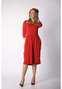 Czerwona sukienka wizytowa Nommo casualowa, prosta