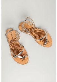 Złote sandały Pepe Jeans na klamry, bez obcasa