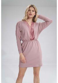 Figl - Mini Sukienka z Dekoltem Wykończonym Welurem - Ciemnoróżowa. Materiał: welur. Długość: mini