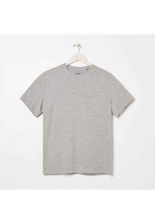 Sinsay - Koszulka basic z kieszenią - Szary. Kolor: szary