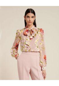 Luisa Spagnoli - LUISA SPAGNOLI - Jasnoróżowa koszula w kwiaty LUISELLA. Typ kołnierza: kokarda. Kolor: różowy, wielokolorowy, fioletowy. Wzór: kwiaty
