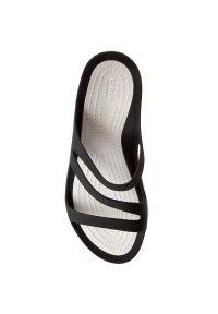 Crocs - Klapki CROCS - Swiftwater Sandal W 203998 Black/White. Okazja: na co dzień. Kolor: czarny. Styl: casual