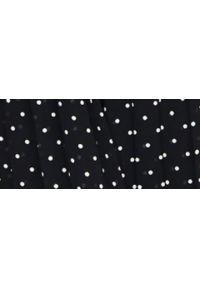 TOP SECRET - Sukienka maxi w groszki. Okazja: na imprezę. Typ kołnierza: dekolt w kształcie V. Kolor: czarny. Wzór: grochy. Typ sukienki: plisowane, rozkloszowane. Materiał: materiał. Długość rękawa: na ramiączkach. Sezon: lato. Styl: wakacyjny, elegancki. Długość: maxi #3