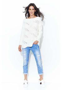 Sweter Makadamia klasyczny, w ażurowe wzory, z dekoltem w łódkę