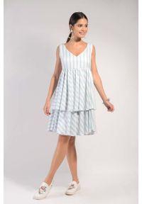 Nommo - Biało Niebieska Warstwowa Zwiewna Sukienka na Szerokich Ramiączkach. Kolor: niebieski, biały, wielokolorowy. Materiał: wiskoza. Długość rękawa: na ramiączkach