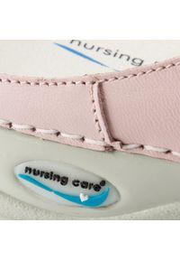 Różowe klapki Nursing Care