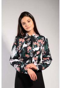 Nommo - Kwiatowa Koszulowa Bluzka z Wiązaniem przy Kołnierzu. Materiał: wiskoza, poliester. Wzór: kwiaty