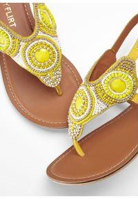 Żółte sandały bonprix z paskami