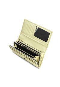 Wittchen - Damski portfel skórzany tłoczony w monogram. Materiał: lakier, skóra