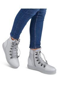 Szare buty sportowe Ideal Shoes na zamek, w kolorowe wzory