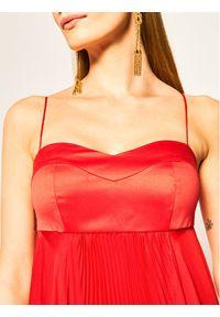 Czerwona sukienka wieczorowa Pinko