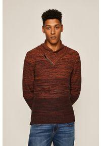 medicine - Medicine - Sweter Disturbed Classic. Kolor: brązowy. Materiał: dzianina. Wzór: gładki