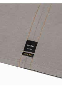 Ombre Clothing - Longsleeve męski z nadrukiem L130 - beżowy - XXL. Kolor: beżowy. Materiał: bawełna, tkanina. Długość rękawa: długi rękaw. Wzór: nadruk