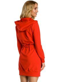 MOE - Sportowa sukienka bluza z kapturem i kieszenią tylu kangurek. Typ kołnierza: kaptur. Materiał: dresówka, bawełna, dzianina, materiał, elastan. Typ sukienki: sportowe. Styl: sportowy