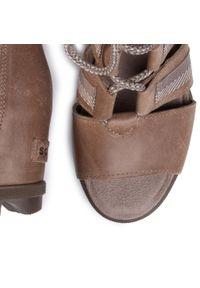 Brązowe sandały sorel na co dzień, casualowe