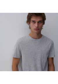 Reserved - T-shirt- z bawełną - Jasny szary. Kolor: szary. Materiał: bawełna