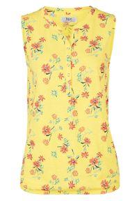 Top shirtowy z elastycznym dołem, w kwiaty bonprix jasna limonka w kwiaty. Kolor: żółty. Materiał: bawełna. Wzór: kwiaty