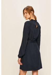 Niebieska sukienka Vila casualowa, prosta