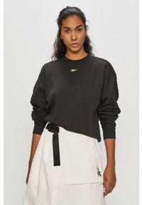 Reebok - Bluza bawełniana. Kolor: czarny. Materiał: bawełna. Długość rękawa: długi rękaw. Długość: długie