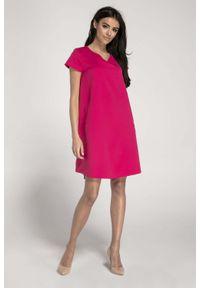 Różowa sukienka wizytowa Nommo z dekoltem w serek, trapezowa