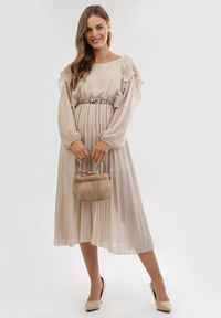 Beżowa sukienka Born2be