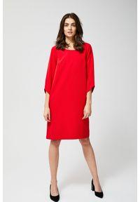 Czerwona sukienka MOODO z asymetrycznym kołnierzem, asymetryczna