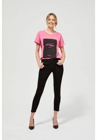 MOODO - Jeansy skinny z guzikami. Długość: długie. Wzór: gładki