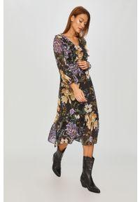 Czarna sukienka Answear Lab midi, z długim rękawem, wakacyjna, rozkloszowana
