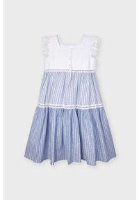 Niebieska sukienka Mayoral z haftami, rozkloszowana