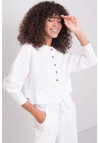 e-margeritka - Bluza damska bawełniana krótka ecru - 40. Okazja: na co dzień. Materiał: bawełna. Długość: krótkie. Wzór: aplikacja. Styl: casual