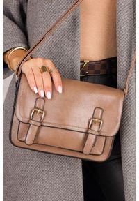 Casu - Beżowa torebka mała z klamerkami casu ak-55980819. Kolor: beżowy