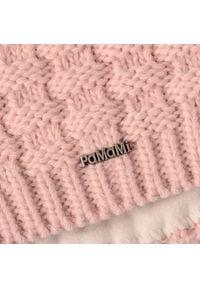 Standardowa czapka damska kostka PaMaMi - Pudrowy róż. Kolor: różowy. Materiał: poliamid, akryl. Sezon: zima. Styl: klasyczny