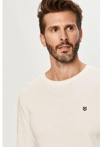 Biała koszulka z długim rękawem Premium by Jack&Jones na co dzień, casualowa, z okrągłym kołnierzem